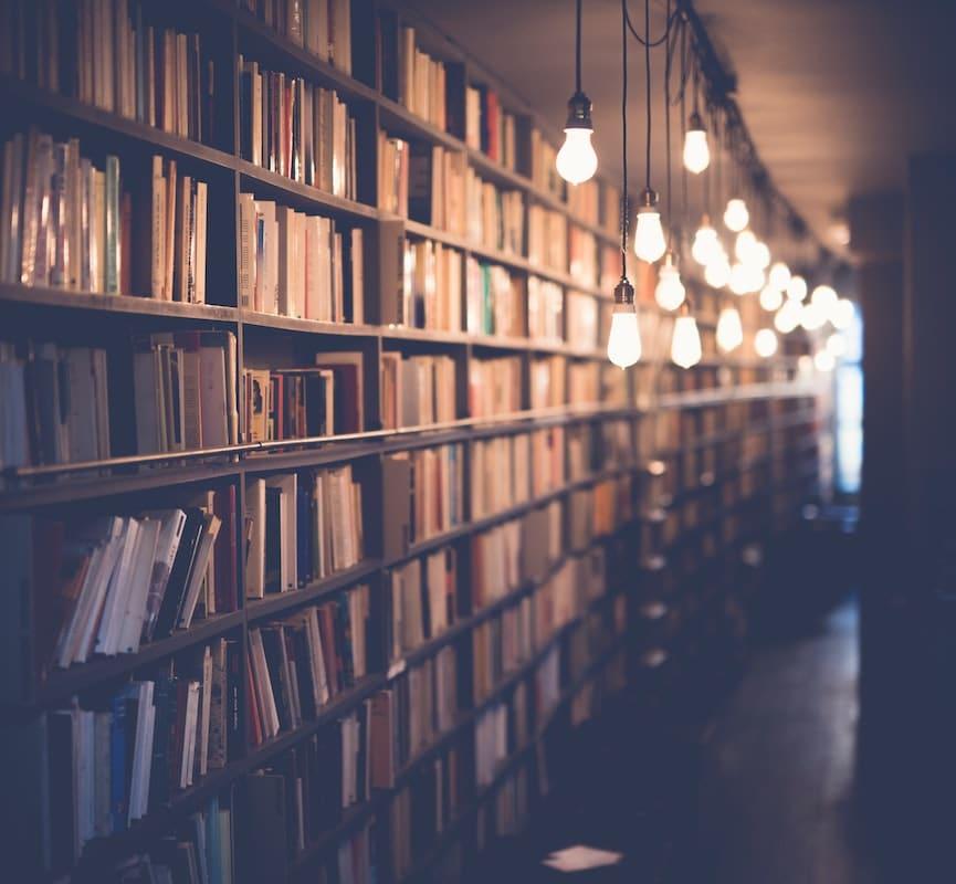Bücherregal Recht